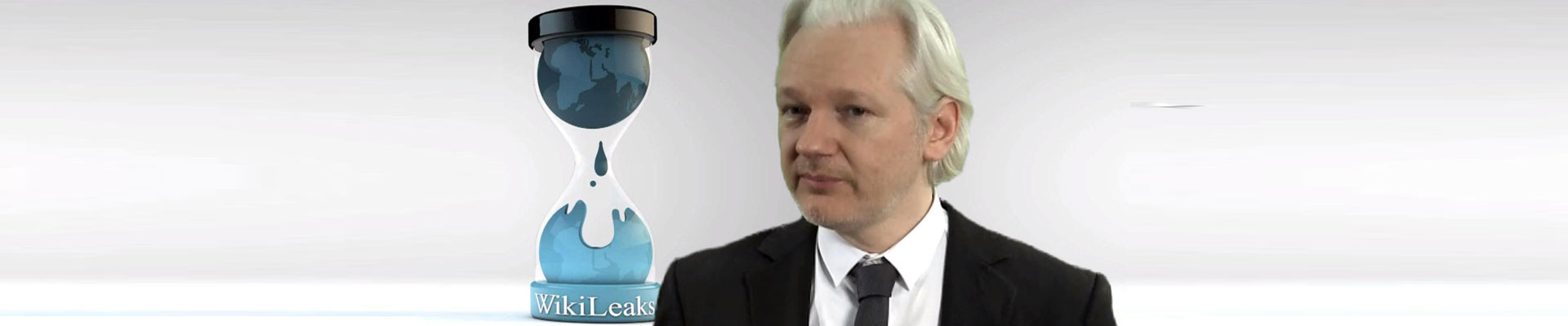 Julian Assange EXPOSES HILLARY's BULLSH*T! HACKERS AREN'T RUSSIAN, THEY ARE DEMOCRAT WHISTLEBLOWERS & YOU'RE HAVING THEM KILLED!